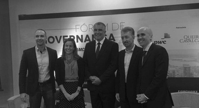 Manuela Moura apresenta o case Queiroz Cavalcanti Advocacia no Fórum de Governança no Recife